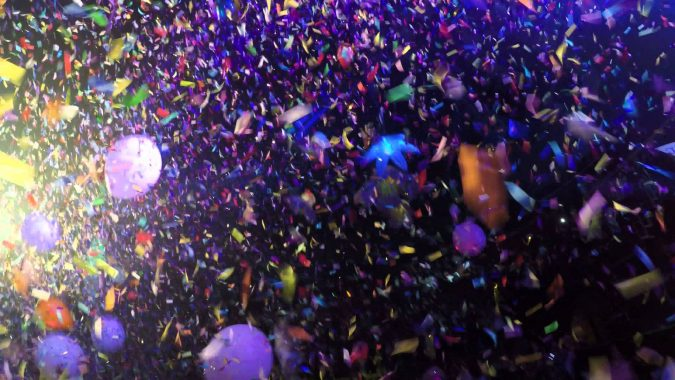 New-Year-confetti-675x380 10 Breathtaking New Year's Eve Party Decoration Trends 2021