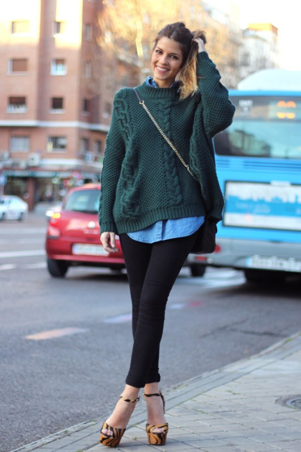 OVERSIZED-SWEATERS1 10 Most Beauty Trends That Men Hate