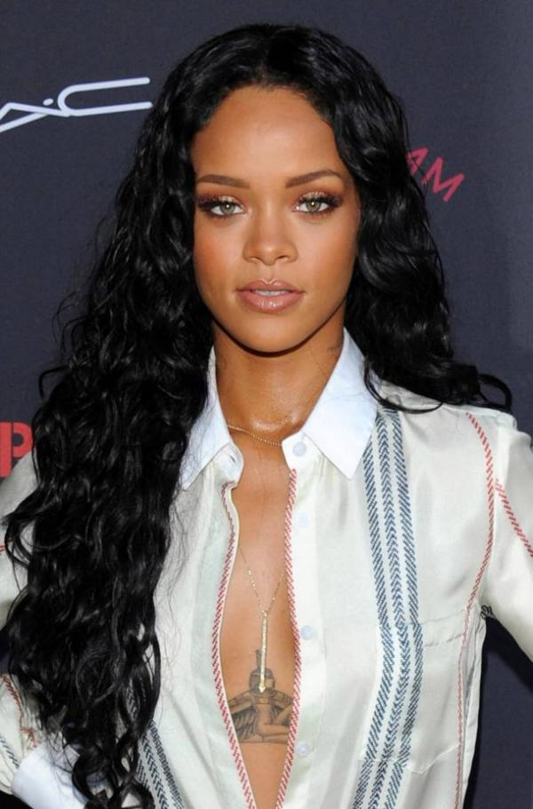 Rhianna2 15+ Fashionable Tremendous Celebrities' Hairstyles