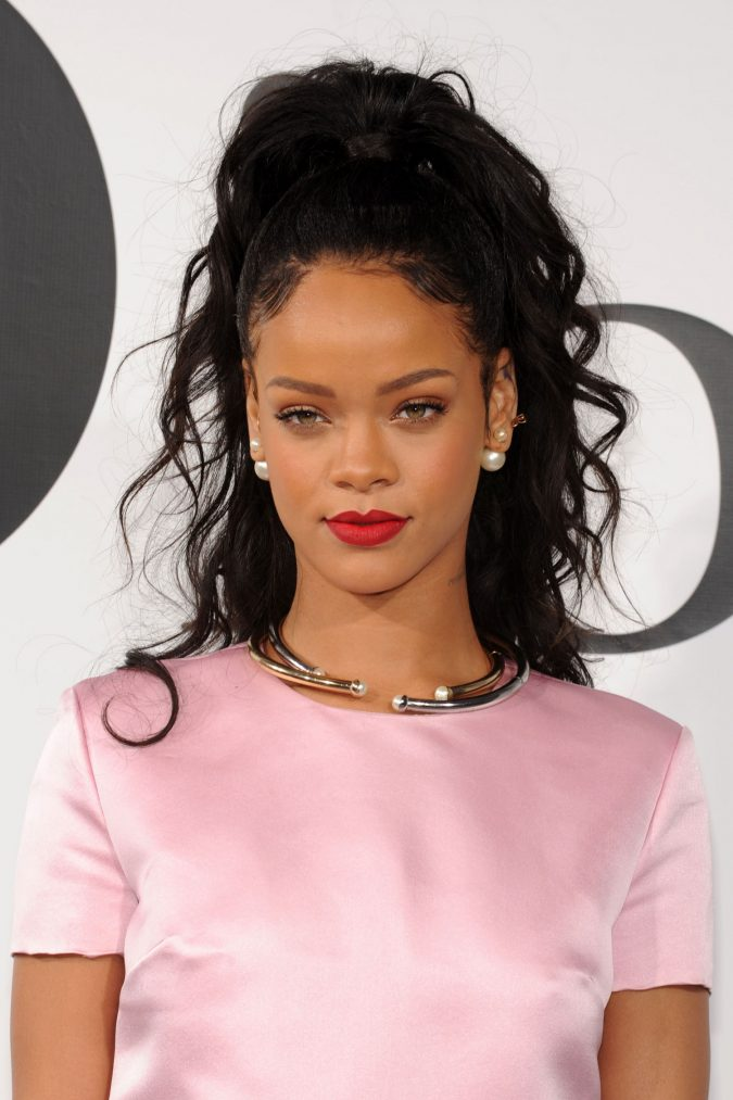 Rhianna4-675x1013 15+ Fashionable Tremendous Celebrities' Hairstyles