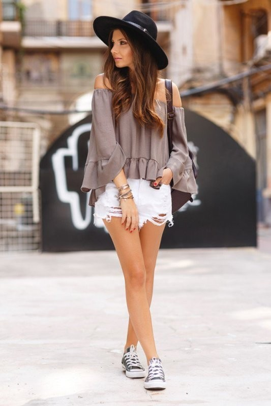 Ruffled-outfits 15 Spring & Summer Fashion Trends for Women 2017