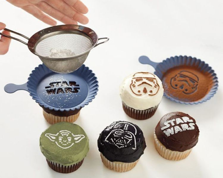 Star-Wars-Cupcake-Sprinkler 50 Affordable Gifts for Star Wars & Emoji Lovers