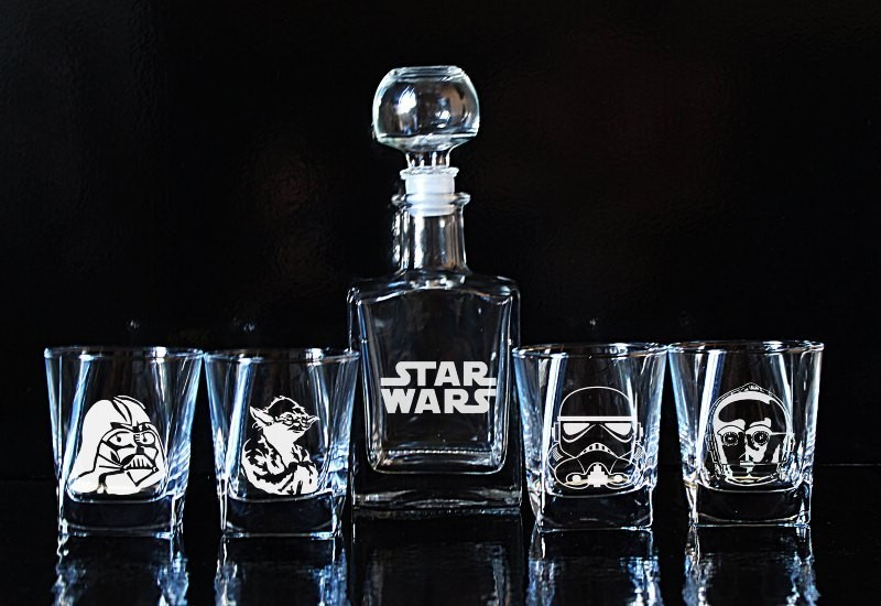 Star-Wars-Glass-Whiskey-decanter-Set 50 Affordable Gifts for Star Wars & Emoji Lovers