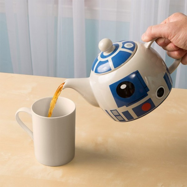 Star-Wars-R2-D2-ceramic-teapot 50 Affordable Gifts for Star Wars & Emoji Lovers