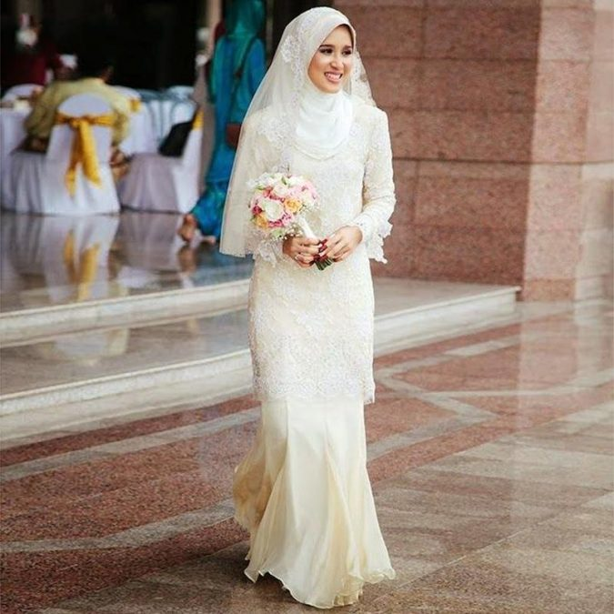 Textured-sleeves-wedding-dress4-675x675 5 Stylish Muslim Wedding Dresses Trends for 2020