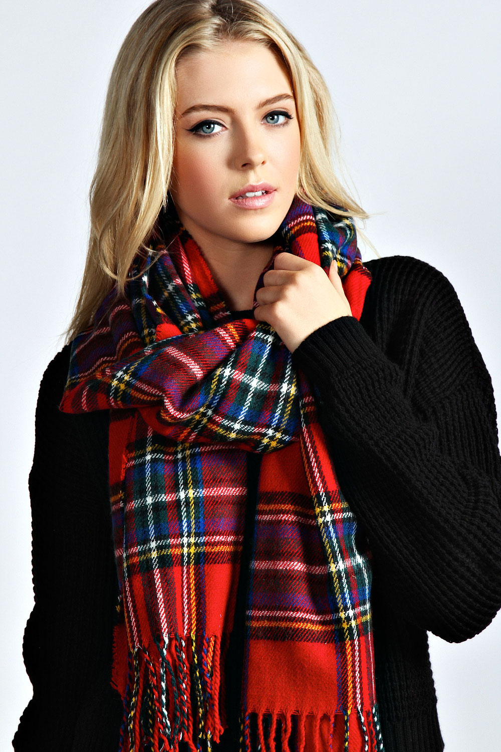 The-Tartan-Scarf5 22 Scarf Trend Forecast for Fall & Winter 2017