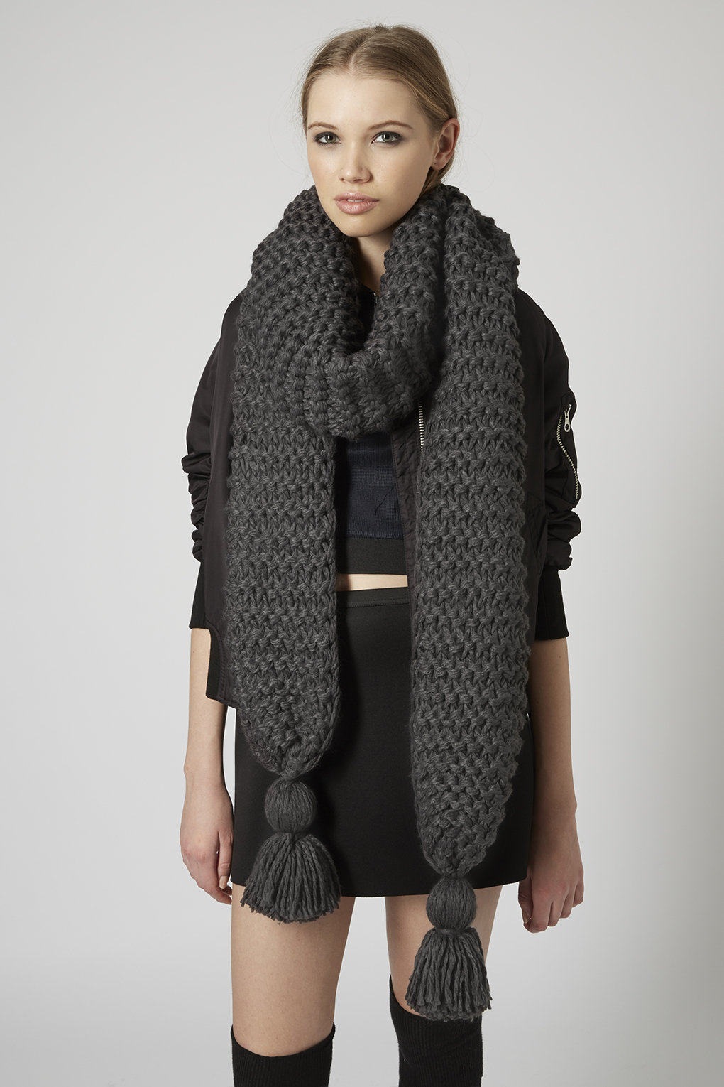 Thick-Knit-Scarf1 22 Scarf Trend Forecast for Fall & Winter 2017