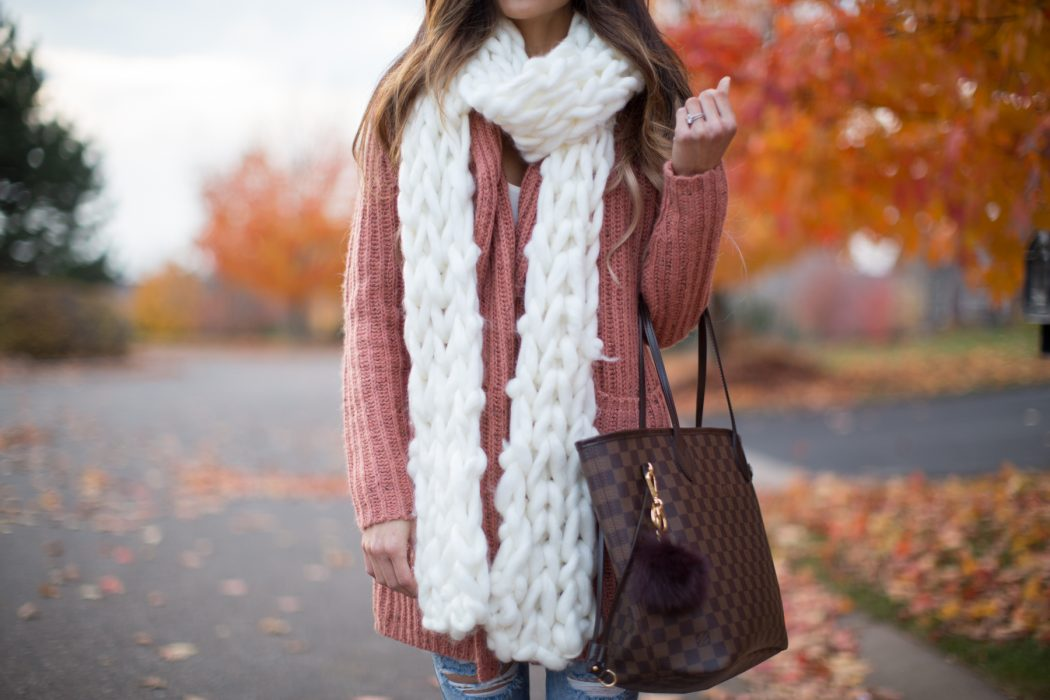 Thick-Knit-Scarf2 22+ Main Scarf Trend Forecast for Winter & Fall 2018