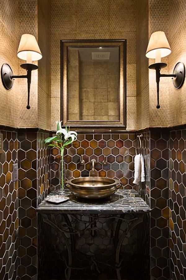 bathroom-mirror-with-built-in-lights5 Latest Trends: Best 27+ Bathroom Mirror Designs