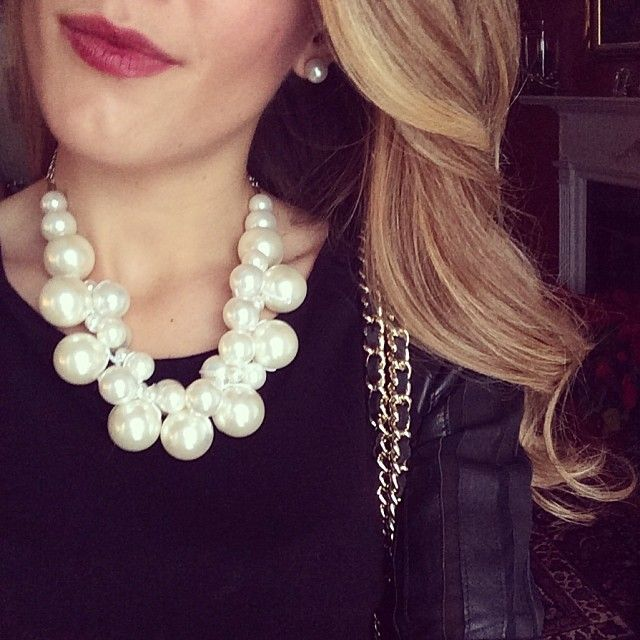 bulky-pearl-necklace2 6 Main Necklace Trends For Summer 2018