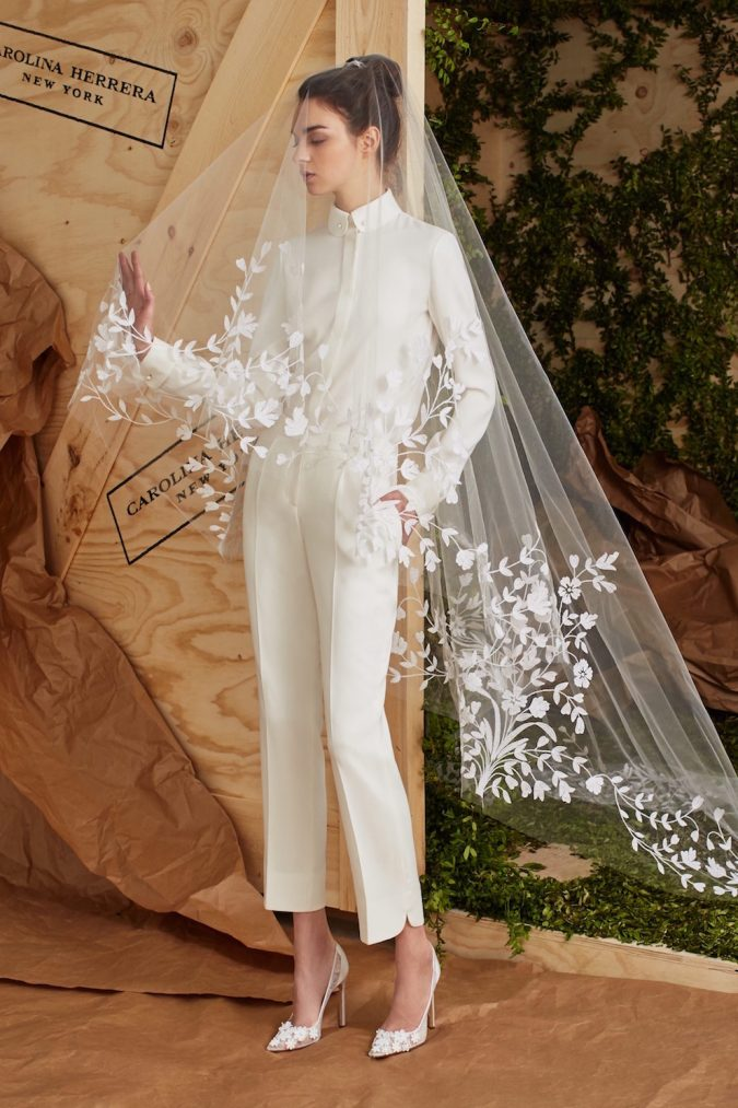 carolina-herrera-bridal-spring-2017-1-675x1013 5 Hottest Wedding Dresses Trends in 2021