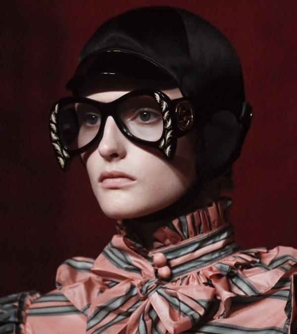 clear-lenses-6 Best 10 Hottest Eyewear Trends for Men & Women 2020