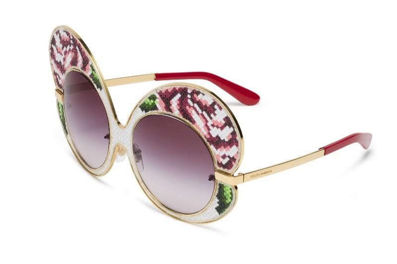 colorful-lenses-5 Best 10 Hottest Eyewear Trends for Men & Women 2020
