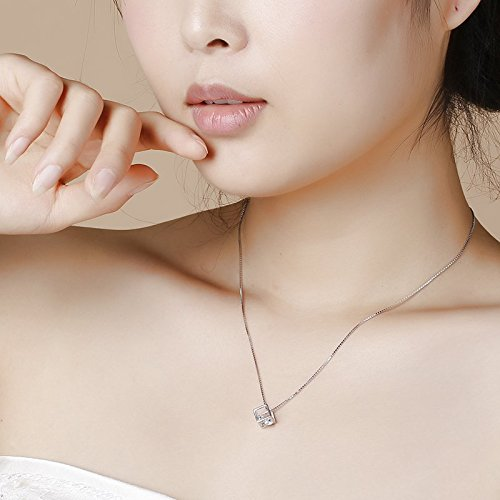 cubic-diamond-necklace2 6 Main Necklace Trends For Summer 2018