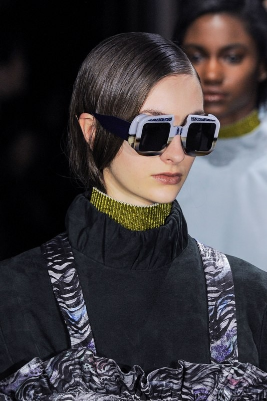 dark-lenses-3 Best 10 Hottest Eyewear Trends for Men & Women 2020