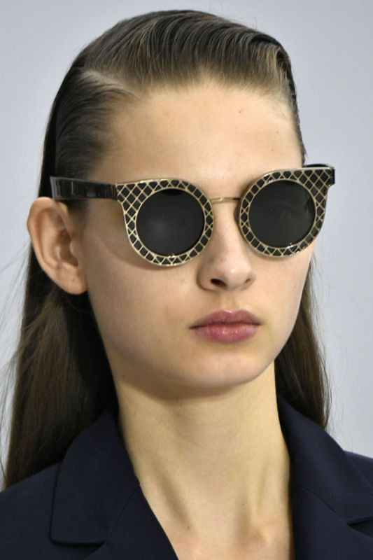 dark-lenses-4 Best 10 Hottest Eyewear Trends for Men & Women 2020