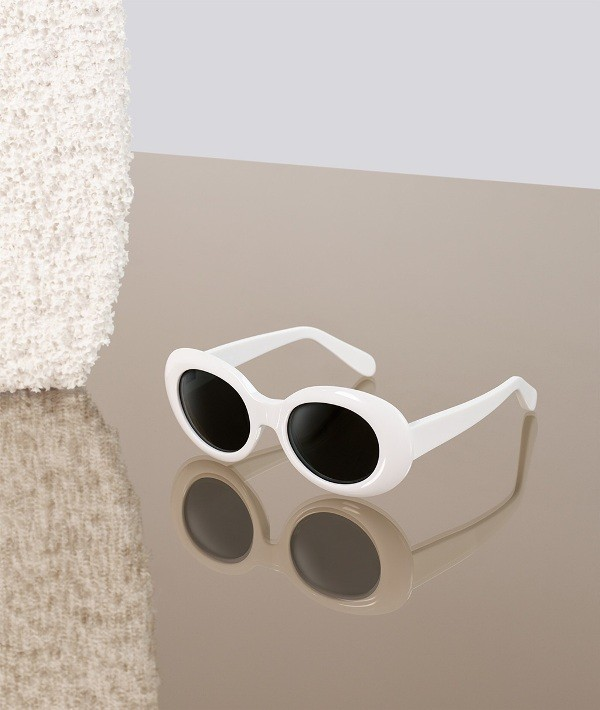 dark-lenses-8 Best 10 Hottest Eyewear Trends for Men & Women 2020