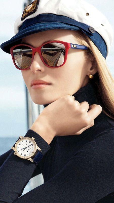 dark-lenses Best 10 Hottest Eyewear Trends for Men & Women 2020