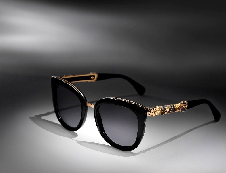 embellished-sunglasses-11 Best 10 Hottest Eyewear Trends for Men & Women 2019