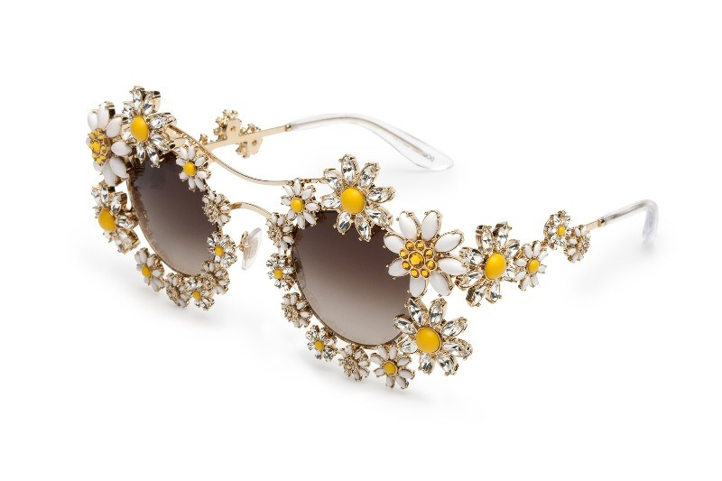 embellished-sunglasses-5 Best 10 Hottest Eyewear Trends for Men & Women 2020