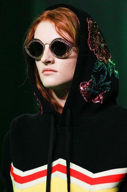 embellished-sunglasses-6 Best 10 Hottest Eyewear Trends for Men & Women 2020