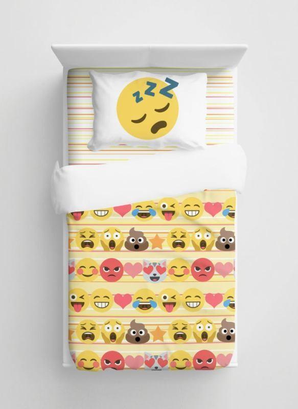 emoji-bedding-1 50 Affordable Gifts for Star Wars & Emoji Lovers