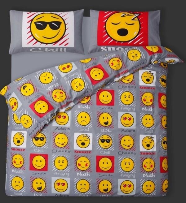 emoji-bedding 50 Affordable Gifts for Star Wars & Emoji Lovers