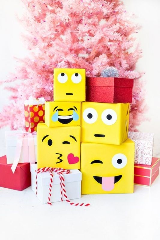 emoji-gift-wrap 50 Affordable Gifts for Star Wars & Emoji Lovers