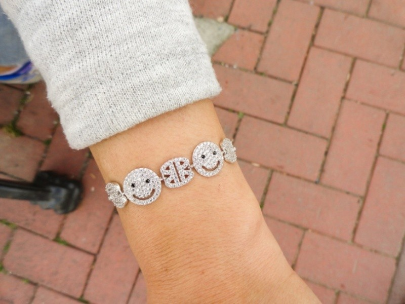 emoji-jewelry-13 50 Affordable Gifts for Star Wars & Emoji Lovers