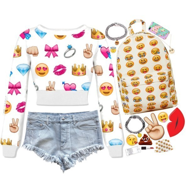 emoji-outfit-ideas-1 50 Affordable Gifts for Star Wars & Emoji Lovers
