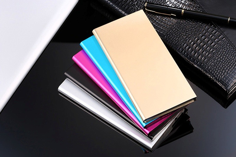 external-portable-battery-charger-3 39 Most Stunning Christmas Gifts for Teens 2017