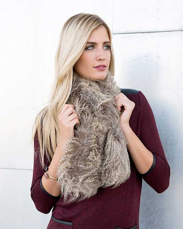 fur-scarves-10 20+ Catchiest Scarf Trends for Women in 2020