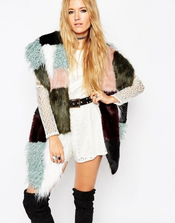 fur-scarves-4 20+ Catchiest Scarf Trends for Women in 2020