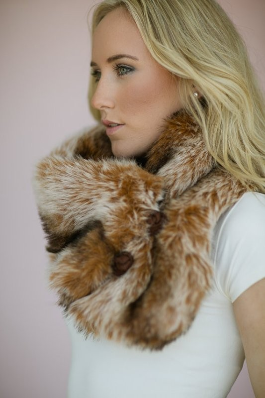 fur-scarves-8 20+ Catchiest Scarf Trends for Women in 2020