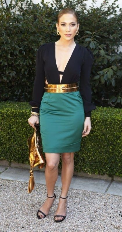golden-metallic-belt-1 50+ Hottest Fashion Trends for Teenage Girls in 2020