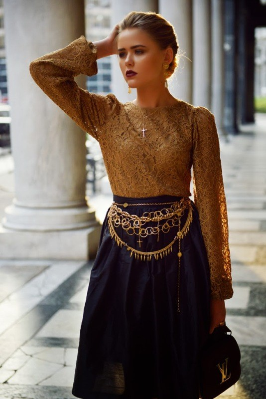 golden-metallic-belt-6 50+ Hottest Fashion Trends for Teenage Girls in 2020