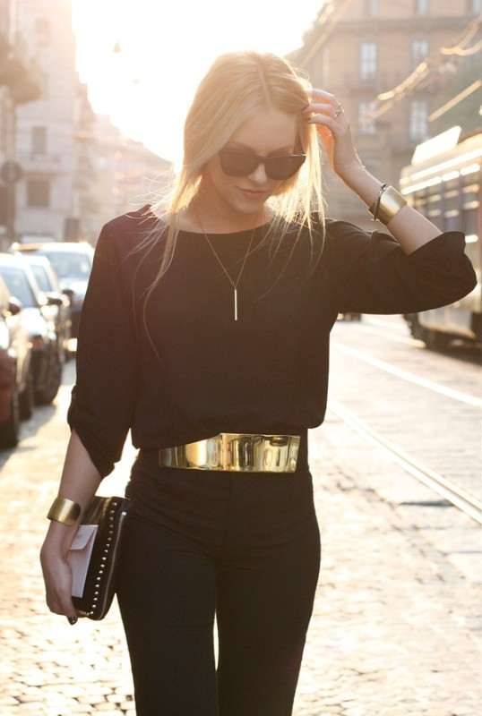 golden-metallic-belt-7 50+ Hottest Fashion Trends for Teenage Girls in 2020