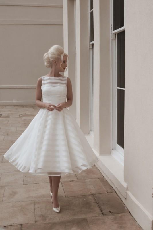 knee-length-skirts-1 15+ Best Spring & Summer Fashion Trends for Women 2020
