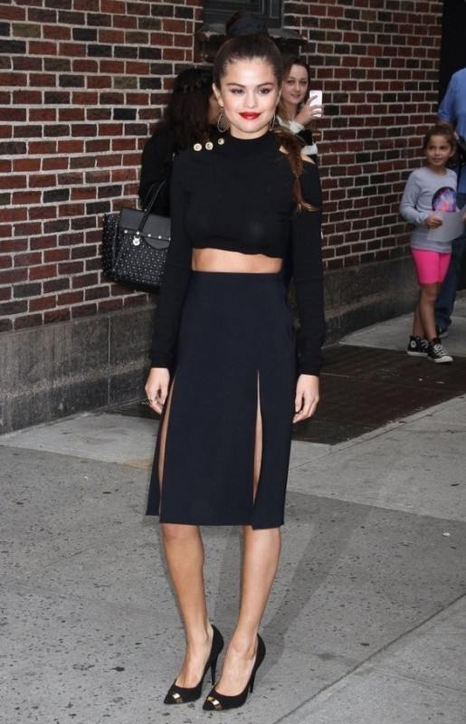 knee-length-skirts-2 15+ Best Spring & Summer Fashion Trends for Women 2020