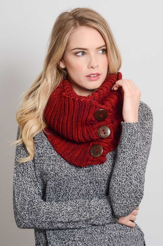 knit-scarves-1 20+ Catchiest Scarf Trends for Women in 2020