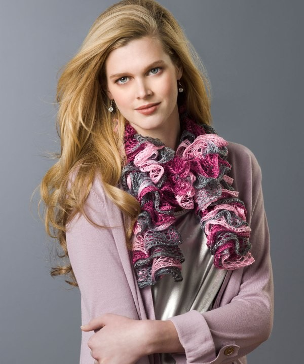knit-scarves-15 20+ Catchiest Scarf Trends for Women in 2020