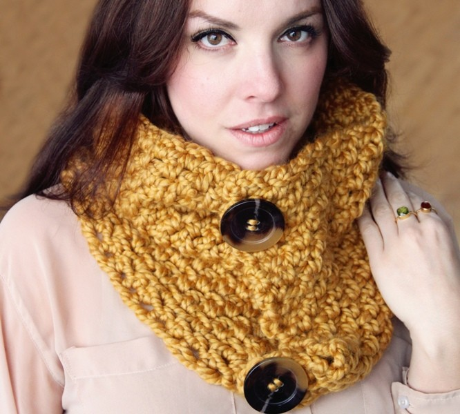 knit-scarves-19 20+ Catchiest Scarf Trends for Women in 2020