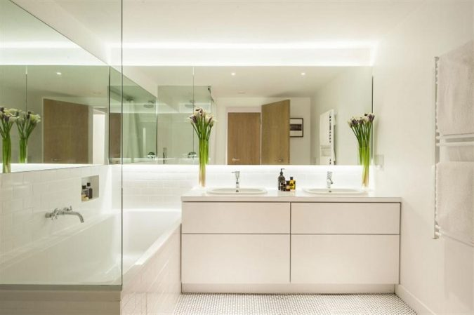 large-bathroom-mirror3-675x449 Latest Trends: Best 27+ Bathroom Mirror Designs