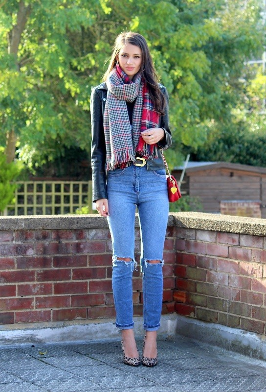 long-scarves-10 20+ Catchiest Scarf Trends for Women in 2020