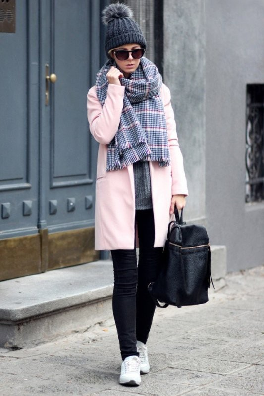 long-scarves-13 20+ Catchiest Scarf Trends for Women in 2020