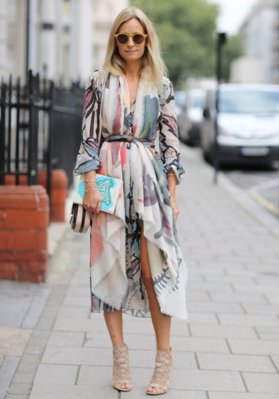long-scarves-14 20+ Catchiest Scarf Trends for Women in 2020