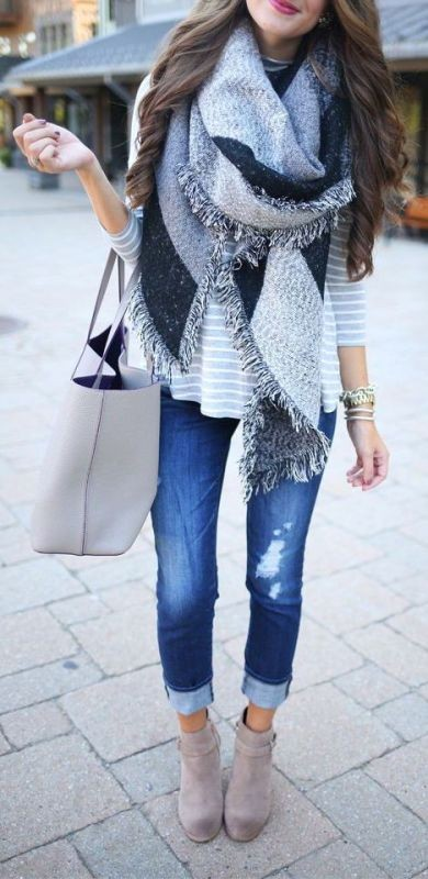 long-scarves-2 20+ Catchiest Scarf Trends for Women in 2020