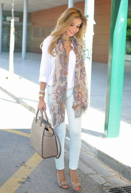 long-scarves-4 +20 Catchiest Scarf Trends for Women in 2017