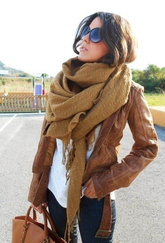long-scarves-9 20+ Catchiest Scarf Trends for Women in 2020