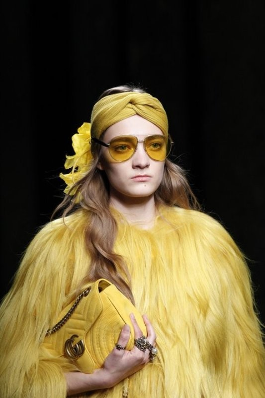 matching-clothing 11 Hottest Eyewear Trends for Men & Women 2017